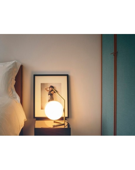 IC T1 Table Lamp