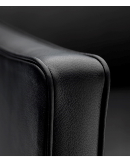 L603 • Easy chair