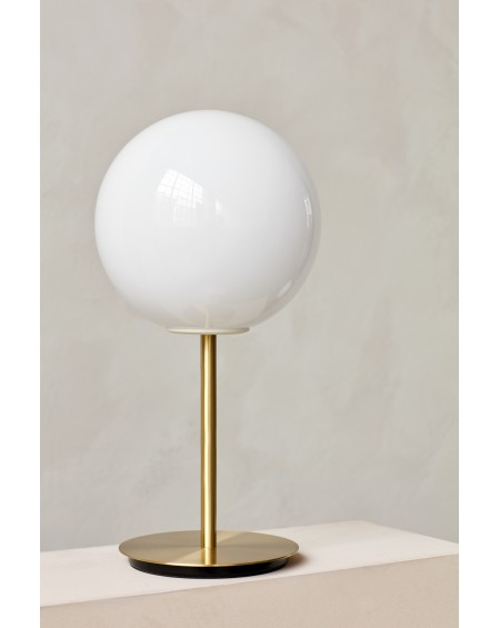 Menu - TR Bulb Table lamp / Brushed Brass - Skandynawskie Lampki Biurkowe