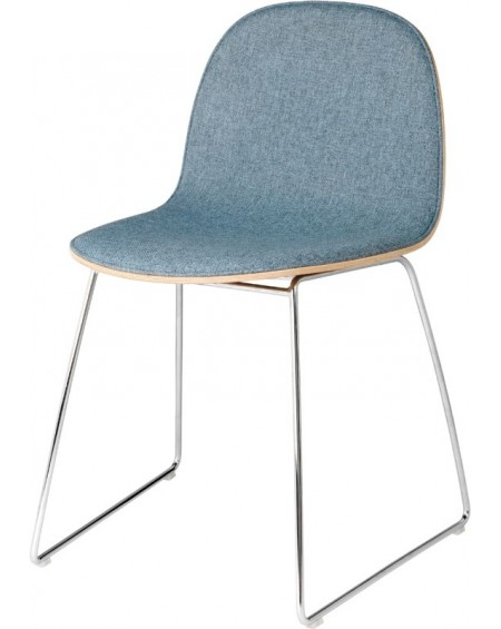 Gubi - 2D Dining Chair - front tapicerowany - Sledge base - Meble