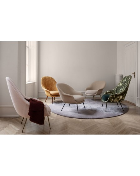 Gubi - Bat Lounge Chair - Fully Upholstered, High back, Conic base - Fotele Skandynawskie