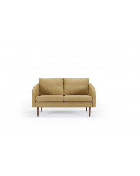 Husum sofa 2-os. tkanina Torro 241 curry, nogi ciemny dąb (oak, dark stained)
