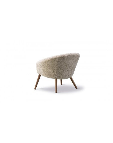 Ditzel Lounge Chair - Sheepskin by Fredericia, smoked oak